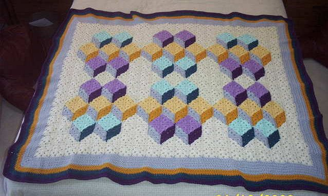 Crochet Patterns That Look Like Quilts : stacked cubes crochet quilt crochet-afghan Pinterest