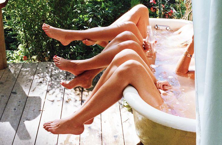 Голые ноги вверх фото 61753 фотография