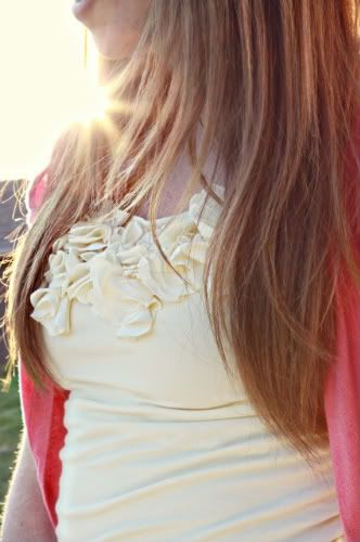 DIY Flower Petal Tee, She is just so genius!!   http://elizabethkartchner.blogspot.com/2010/05/diy-pretty-petals-tee.html