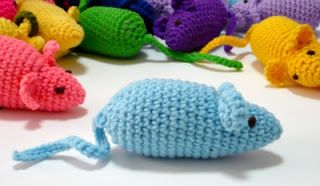 crochet mouse -- cat toy pattern Crochet and Knitting Pinterest