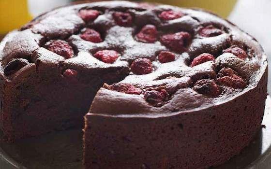 An elegant chocolate and raspberry cake recipes pinterest
