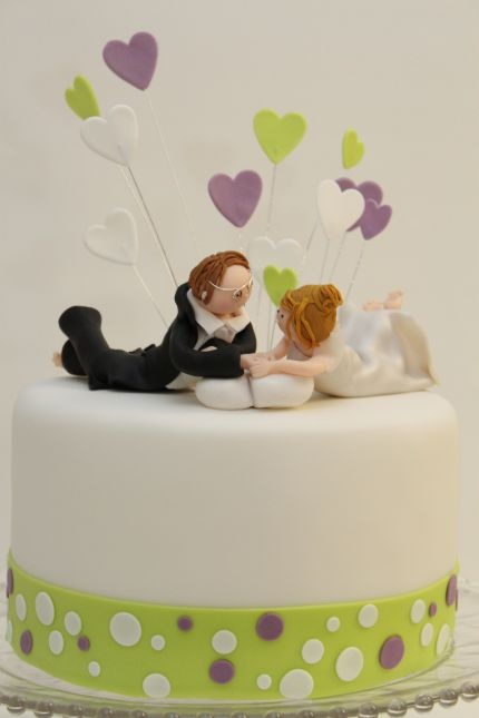 kleine Hochzeitstorte mit Herzen  Kuchen  Pinterest