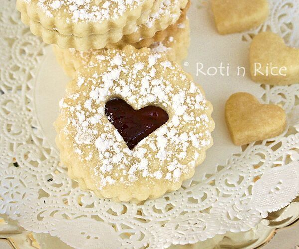 Valentine Linzer Cookies I make this every year... what a great treat ...