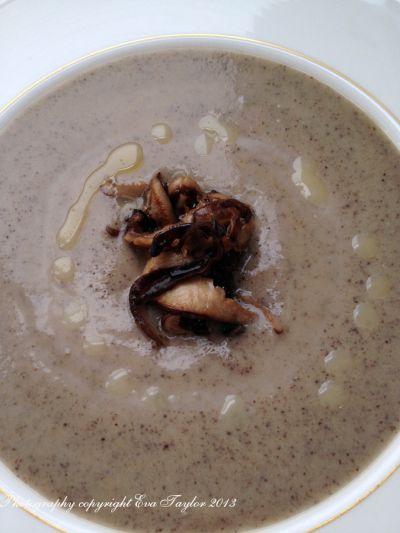 Roasted Garlic Mushroom Soup | Food & Drink | Pinterest