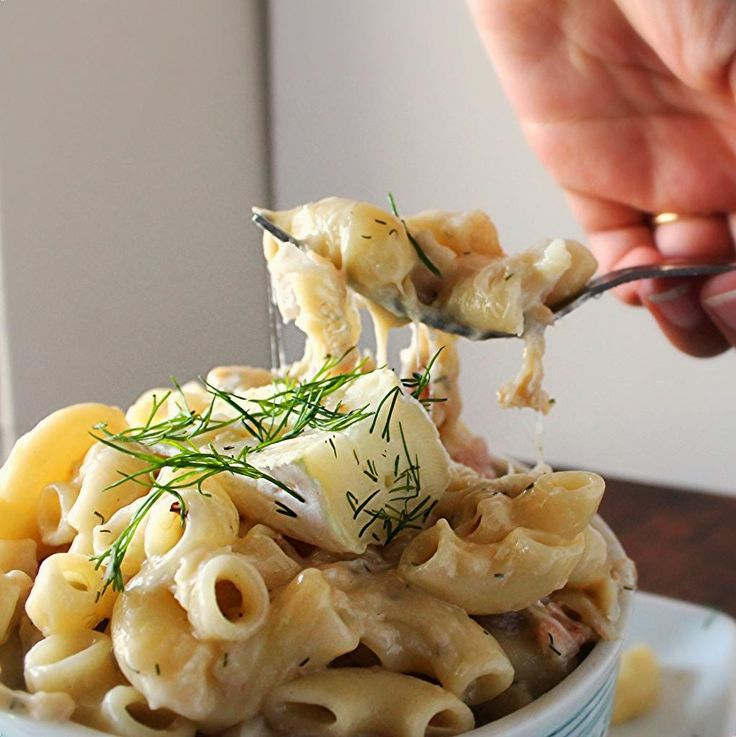The Baker and Her Pig: Macaroni and Brie with Crab