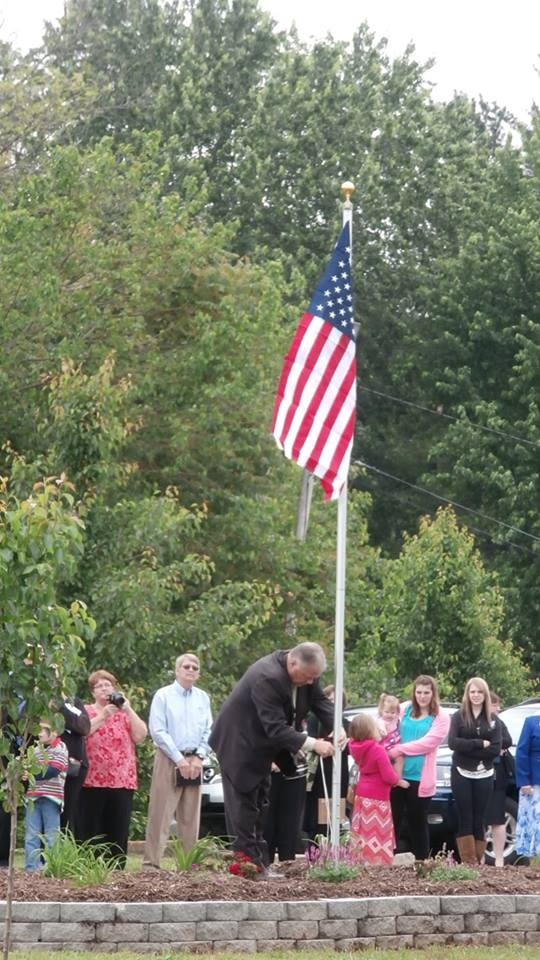 flag pole dedication in grants pass or veterans day 2016