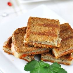 Mini Grilled Cheese with Roasted Red Pepper & Pesto Sandwiches | The ...