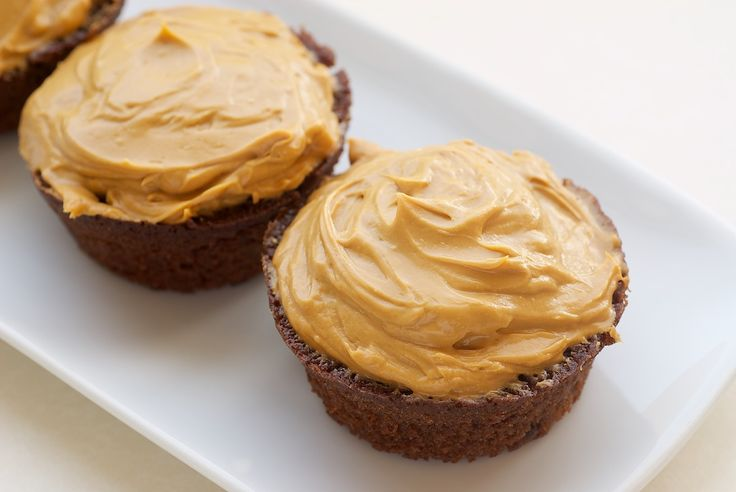 ... Chocolate Cupcakes with Dulce de Leche Frosting | Bake or Break