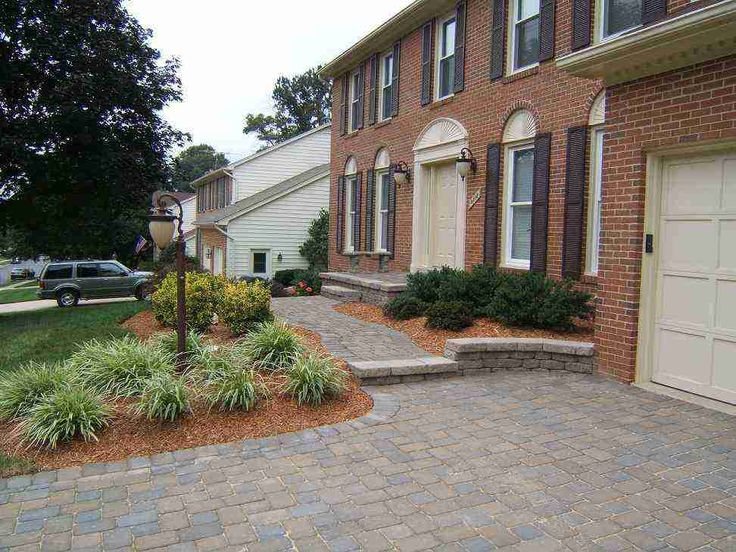 Driveway landscaping landscape ideas pinterest for Garden driveways designs