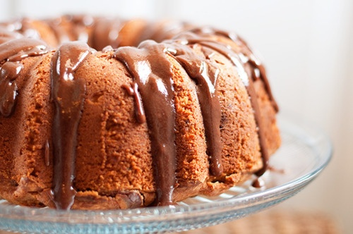 peanut butter and banana pound cake with nutella