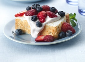 Strawberry-Cream Angel Food Cake from Tablespoon (http://punchfork.com ...