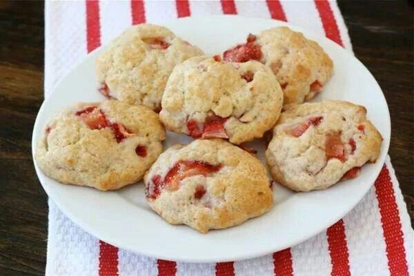 Strawberry shortcake cookies | Recipes | Pinterest