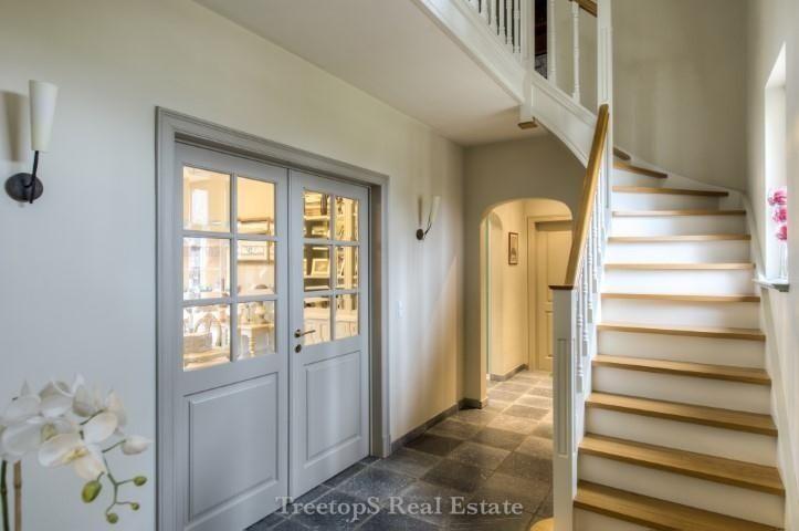 Pastorijstijl afbeelding stijlvol wonen pinterest - Decoratie interieur trap schilderij ...