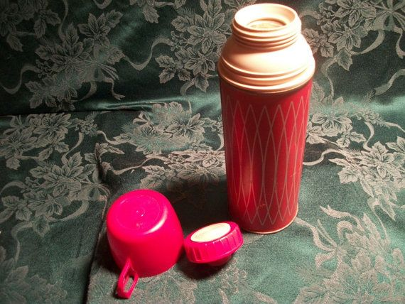 Vintage red thermos icy hot thermos one pint vacuum bottle red th