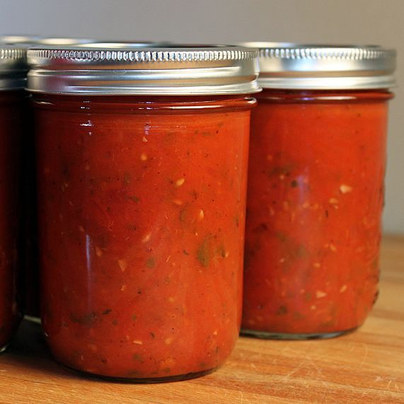 Marinara Sauce with variations for canned tomatoes and fresh tomatoes ...