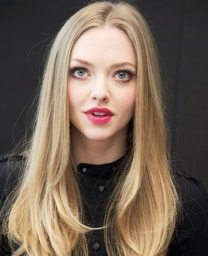 Hairstyles Part Down The Middle : long blonde middle part hairstyle