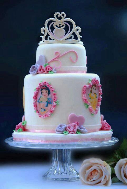 a cute Disney cake