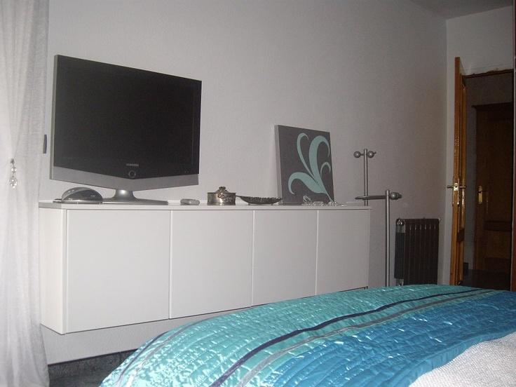 Muebles dormitorio decorar tu casa es facilisimo for Mueble tv dormitorio