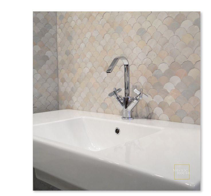 Fish scale like mosaic tile tiles pinterest for Fish scale tiles bathroom