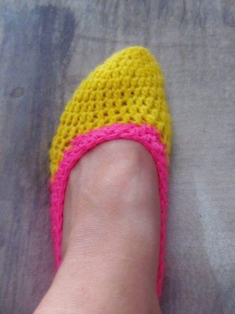 Crochet Jordan Slippers : Little Things Blogged: {Crochet Slippers Part 2}