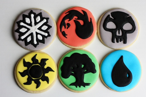 Anyone else remember!?? <3  http://notyourmommascookie.com/2012/05/magic-the-gathering-cookies/