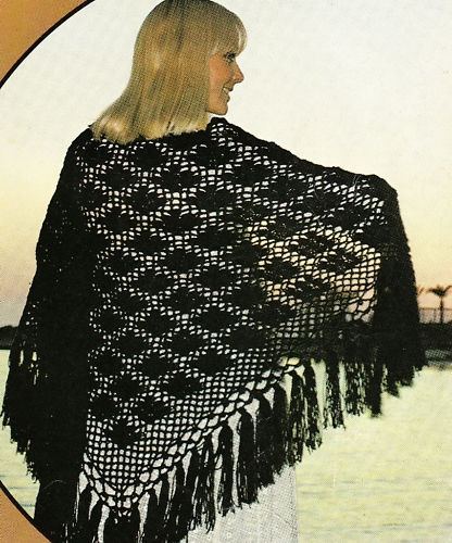 Vintage retro pretty & easy crochet lace fringed shawl ...