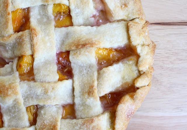 Peach Lattice Pie | In my kitchen | Pinterest