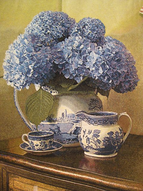 blue willow china and hydrangea