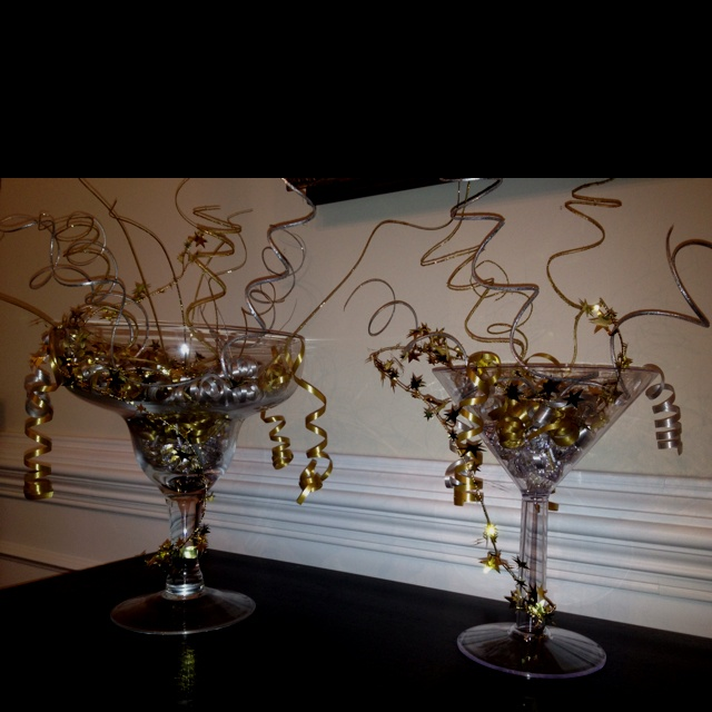 New year 39 s eve decorations decorations pinterest - New years eve centerpieces ...