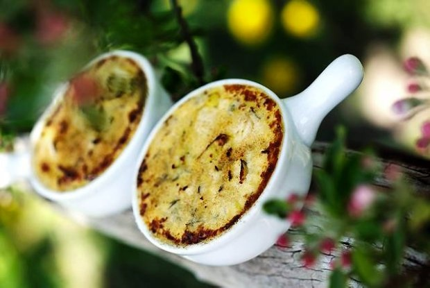 Creme brulée with Gorgonzola and leeks | Food inspiration and styling ...