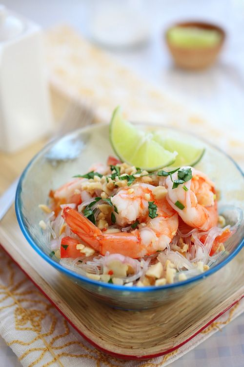 Yum Woon Sen (Thai Noodles Salad with Shrimp)