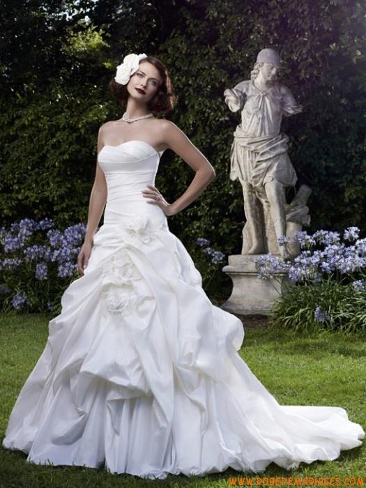 Robe de mariée princesse bustier Satin  Robes de mariée  Pinterest