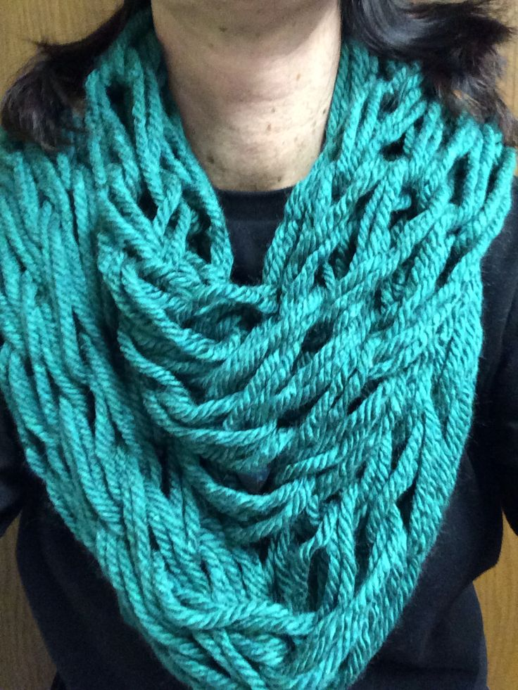 Arm knit infinity scarf!