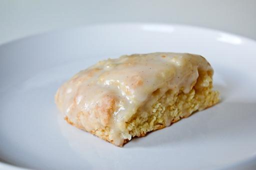 Petite Vanilla Bean Scones | food, food, food | Pinterest