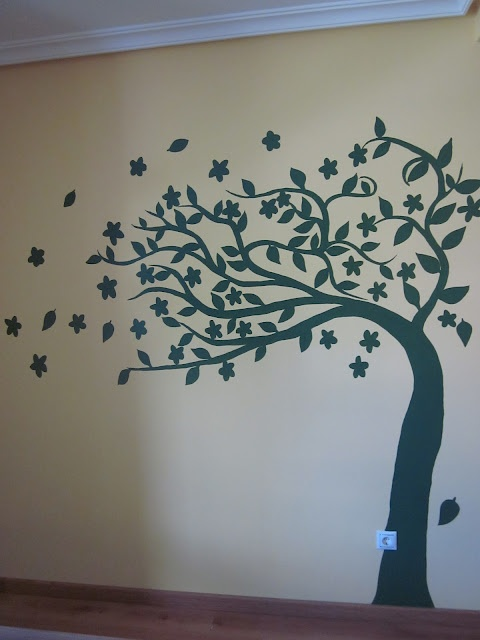 Arboles pintados en la pared imagui for Paredes juveniles pintadas