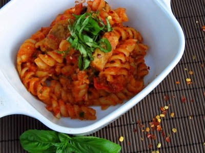 Fusilli with Spicy Tomato Garlic Basil Sauce, Soyrizo, and Tempeh ...