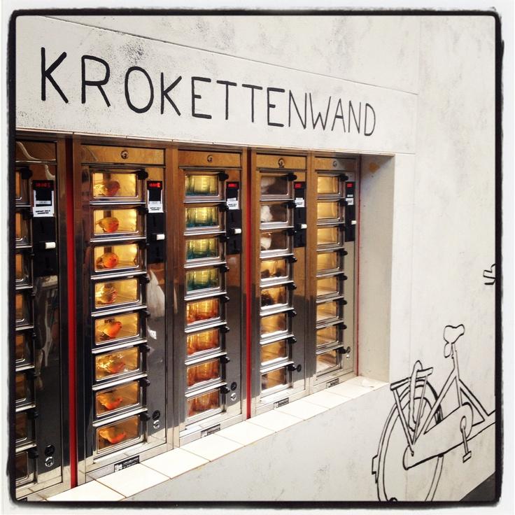 Uit de muur eten!!   The Netherlands   Pinterest