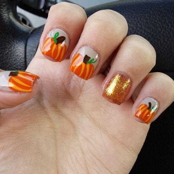 簡単ハロウィンかぼちゃネイルデザイン画像