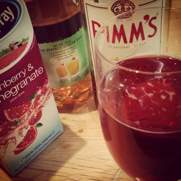 Christmas cocktail experiments // 'Cranberry Ginger Fizz'