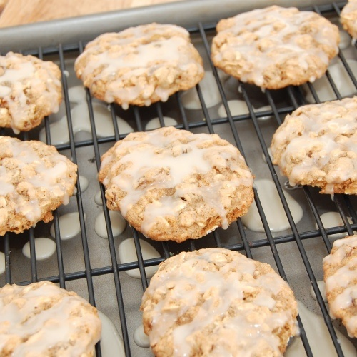 Iced Oatmeal Applesauce Cookies | YUMMY!!!!! | Pinterest