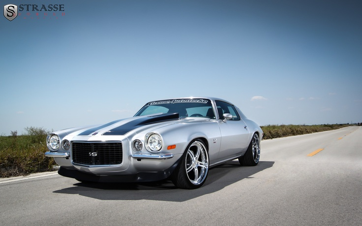 '72 camaro on strasse forged wheels - I like the body line, even if they are rusty.