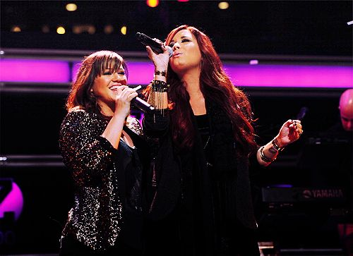 The Kelly/Demi duet...EPIC. Lov Them.