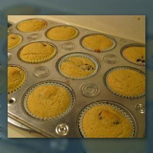 Recipe: Vegan and Gluten-Free Blackberry Cornmeal Muffins
