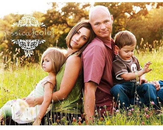 Great family poses by jen domres photography inspiration for Family of 4 picture ideas