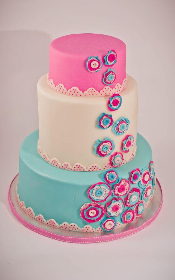 Pastel Button Cake Round Wedding Cakes Harlow 39 S 1st Birthday Pinterest