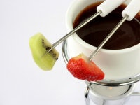 Dark chocolate raspberry fondue | Mouth-watering food and drinks ...