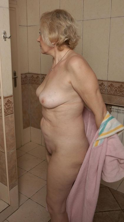 76 best Granny images on Pinterest | Sexy women, Beautiful ...