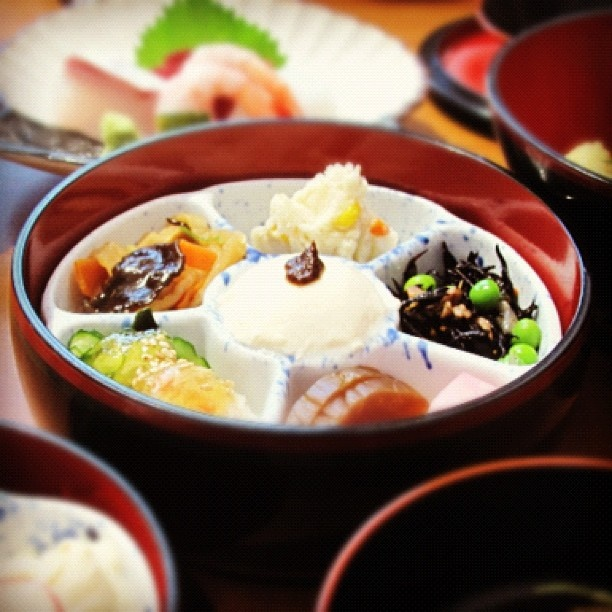 Wabi sabi in japan the presentation of food is paramount for Cuisine wabi sabi