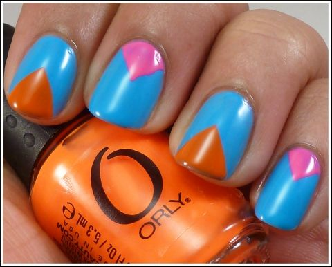 DIY Time! Try This V-Gap Manicure With Neon Polish