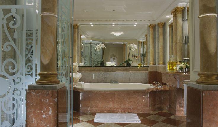 Plaza Athenee Paris - Royal Suite bath